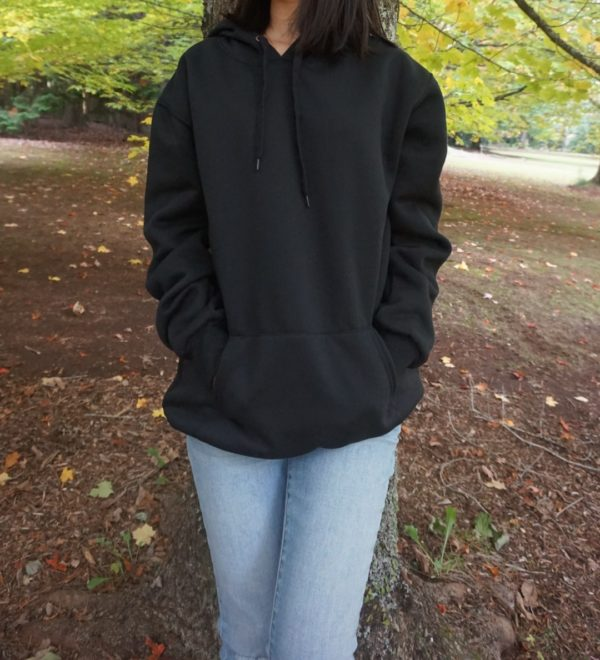 black hoodie jeans women for winter style